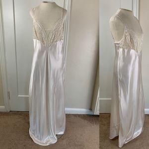 Vintage Victoria's Secret ivory lingerie gown slip